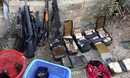 Đột kích 'thủ phủ ma túy': Thi thể 3 đối tượng cầm 3 khẩu súng trên tay