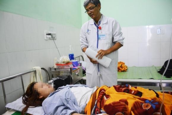 Phụ huynh đánh cô giáo nhập viện xin lỗi nạn nhân