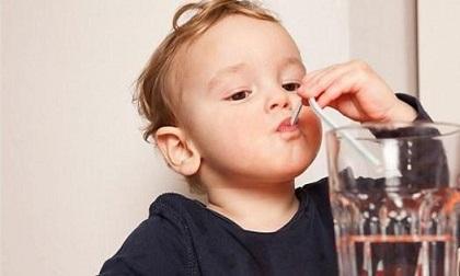 Trẻ nhỏ cũng sỏi thận vì những thói quen ăn uống cha mẹ không ngờ tới