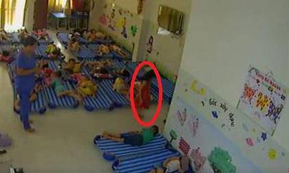 Bất ngờ nguyên nhân bé gái 4 tuổi tử vong sau khi vào toilet trường mầm non 5 phút