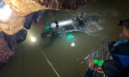 Một thợ lặn Thái thiệt mạng khi giải cứu đội bóng mắc kẹt