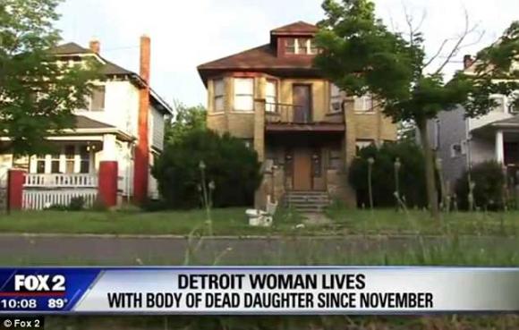 Mẹ sống cùng xác chết của con gái suốt 8 tháng - 1