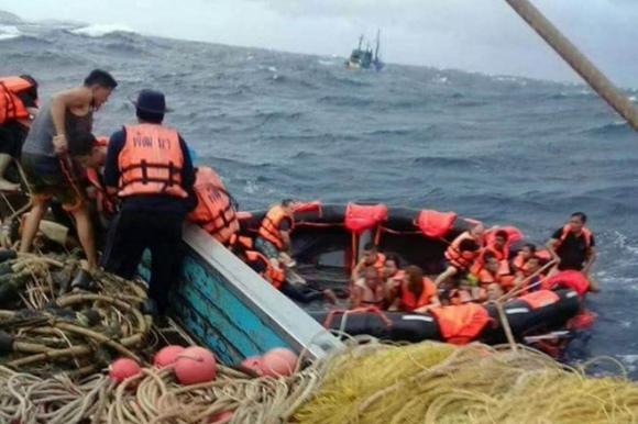 Ít nhất 40 du khách tử vong trong vụ chìm tàu Thái Lan