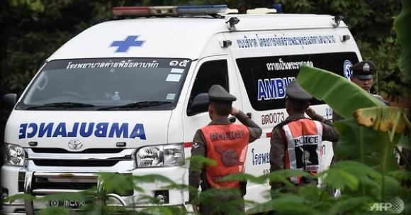 NÓNG: Toàn bộ 13 thành viên đội bóng Thái Lan đã được cứu khỏi hang - 3