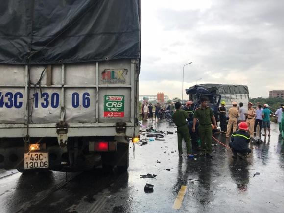 Ám ảnh: Chiếc xe bị vò nát sau vụ tai nạn 3 người thương vong - 1