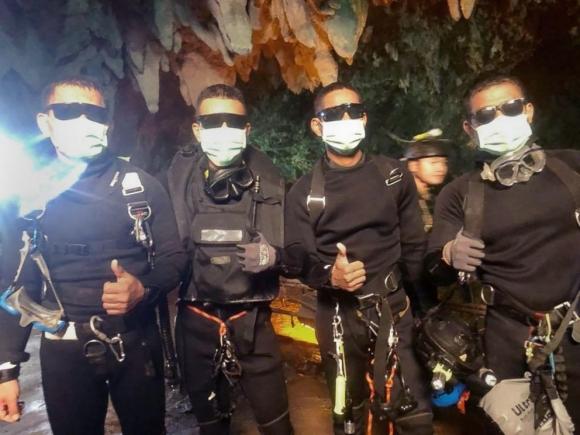 Giải cứu đội bóng Thái Lan: Thợ lặn suýt không thể ra ngoài - 1