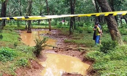 Tá hỏa phát hiện người đàn ông chết cháy trong rừng cao su
