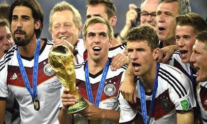 Cúp vàng World Cup sắp trao cho Pháp hoặc Croatia đáng giá bao nhiêu?