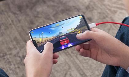 """Top smartphone chơi game """"đỉnh"""" nhất năm 2018"""