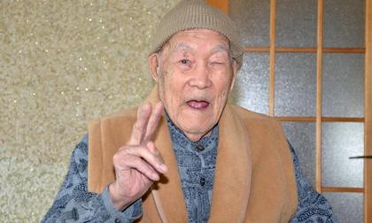 Bí quyết sống lâu cực lạ của cụ ông lớn tuổi nhất thế giới khiến nhiều khó tin