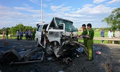 Tai nạn 13 người chết ở Quảng Nam: Thông tin bất ngờ về chiếc ô tô 16 chỗ