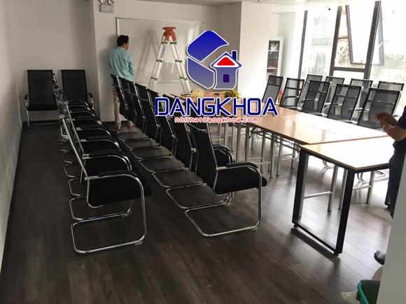 ban-ghe-van-phong-68-2-xahoi.com.vn-w580-h435