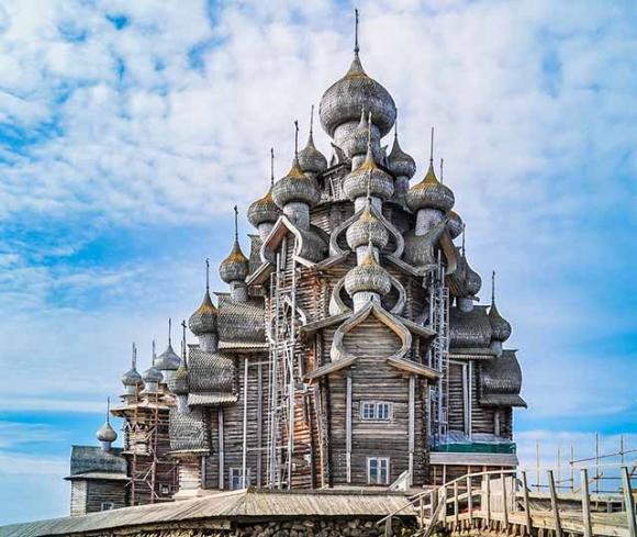Choáng ngợp trước 7 nhà thờ lộng lẫy không khác gì thế giới cổ tích - 2