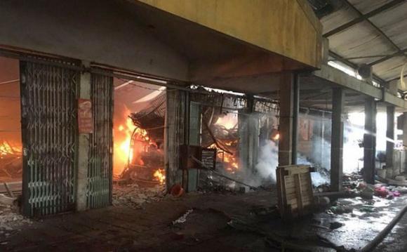 Phanh phui hàng loạt sai phạm sau vụ cháy chợ Sóc Sơn thiêu rụi 47 tỷ đồng