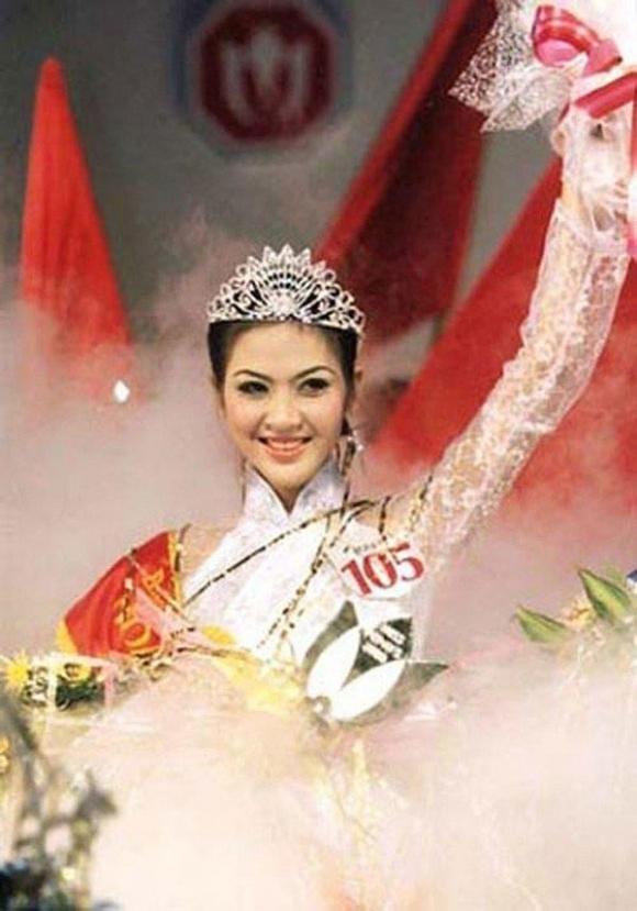 Cuộc sống bí ẩn của Hoa hậu Việt Nam năm 2000 sau biến cố gia đình - Ảnh 2.