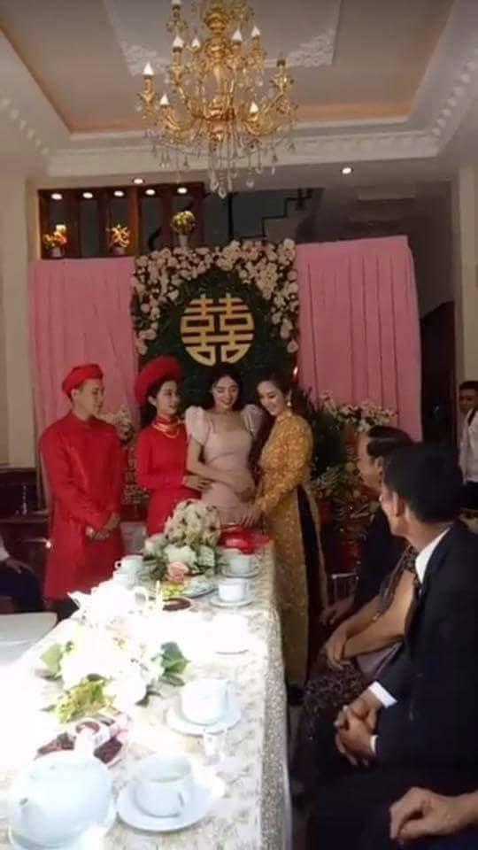 Clip Nhã Phương lộ vòng 2 to bất thường trong đám cưới em gái được chia sẻ rầm rộ - Ảnh 3.
