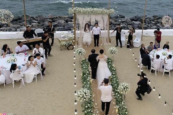Câu nói lặp đi lặp lại của Trường Giang trong lễ đính hôn khiến ai cũng xúc động