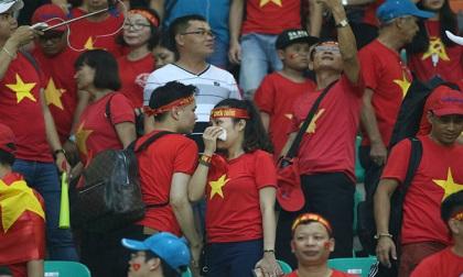 U23 Việt Nam thua Hàn Quốc rơi lệ, fan gây ấn tượng đẹp nơi đất khách