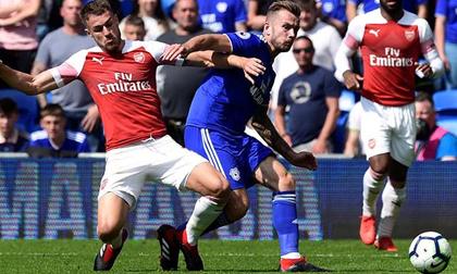 Video, kết quả bóng đá Cardiff - Arsenal: Siêu phẩm định đoạt, đại tiệc 5 bàn