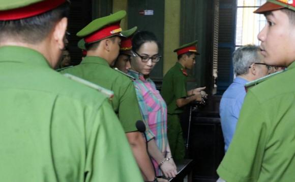 Ngày tàn của hot girl buôn ma túy dùng tình cảm chiêu dụ đàn em ở Sài Gòn - Ảnh 1.