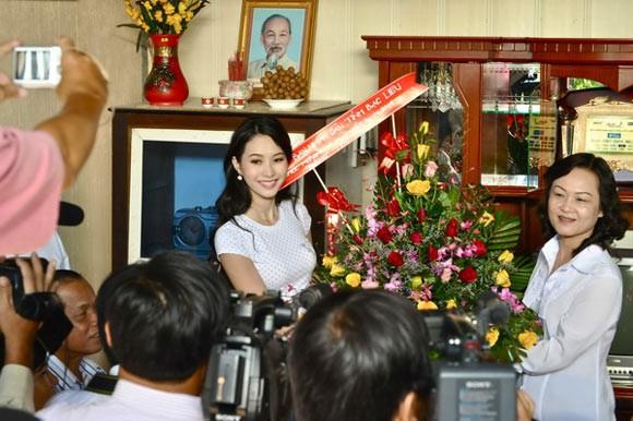 Danh hiệu hoa hậu giúp gia cảnh Đặng Thu Thảo và Phạm Hương thay đổi ra sao? - Ảnh 2.