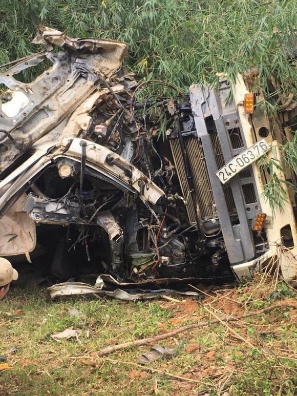 Vụ tai nạn 13 người chết ở Lai Châu: Ai sẽ phải bồi cho các nạn nhân? - 1