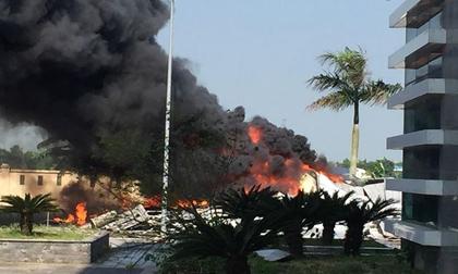 Cháy lớn tại nhà thi đấu đa năng Thái Bình, khói đen bốc cao cuồn cuộn