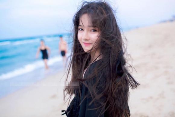 Không chỉ tân hoa hậu, các hot girl xứ Quảng cũng khiến dân mạng không thể rời mắt - Ảnh 8.