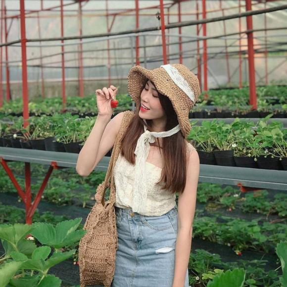 Không chỉ tân hoa hậu, các hot girl xứ Quảng cũng khiến dân mạng không thể rời mắt - Ảnh 5.