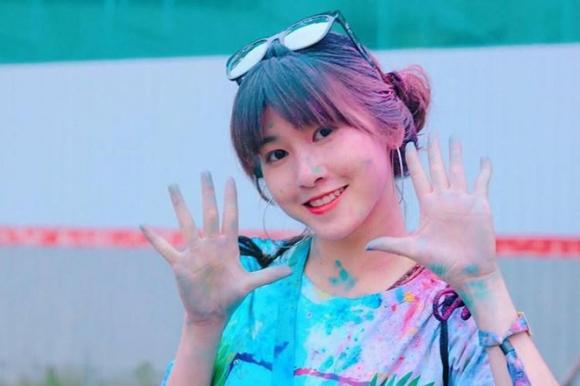 Không chỉ tân hoa hậu, các hot girl xứ Quảng cũng khiến dân mạng không thể rời mắt - Ảnh 1.