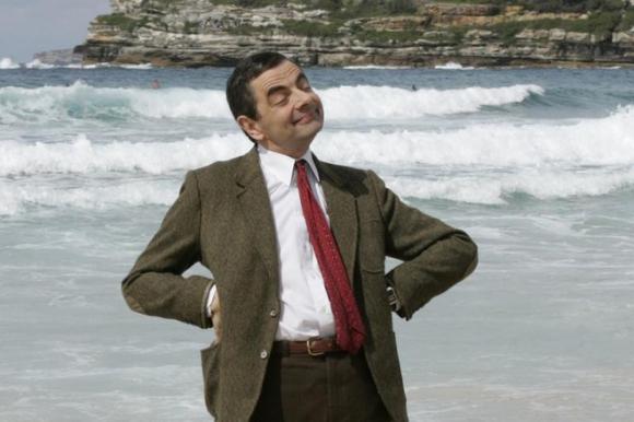 Cuộc sống siêu giàu của Mr Bean: Sở hữu gia sản nghìn tỷ, 63 tuổi vẫn nghiện đua xe - Ảnh 1.