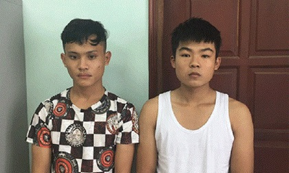 Hà Nội: Gí dao vào cổ cướp túi xách của người phụ nữ lúc rạng sáng