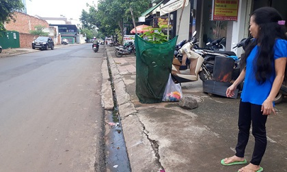 Thai phụ trên đường đi sinh bị cướp giật túi xách, ngã nhào