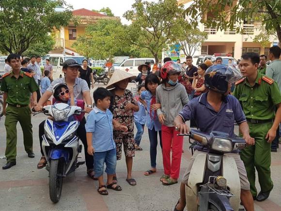 Vụ hàng trăm học sinh ở Ninh Bình nghi ngộ độc: Ruốc gà có mùi kinh lắm con không ăn - Ảnh 2.