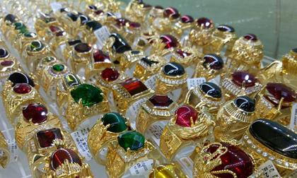 Chủ tiệm kim hoàn báo bị trộm 100 lượng vàng