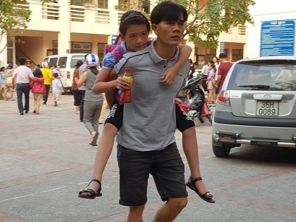 Truy xuất, kiểm tra cơ sở giết mổ cung cấp thịt gà khiến 352 học sinh ở Ninh Bình ngộ độc - Ảnh 2.