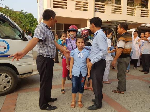 Truy xuất, kiểm tra cơ sở giết mổ cung cấp thịt gà khiến 352 học sinh ở Ninh Bình ngộ độc - Ảnh 4.