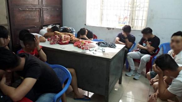 Sau tiệc sinh nhật, 25 nam nữ thanh niên phê ma tuý tại một quán karaoke ở Đà Nẵng