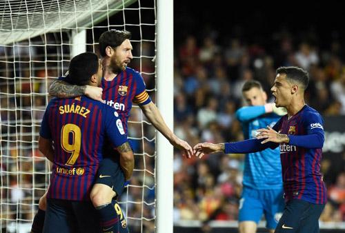 "messi lap cong, barcelona van bi valencia ""cua diem"" hinh anh 1"