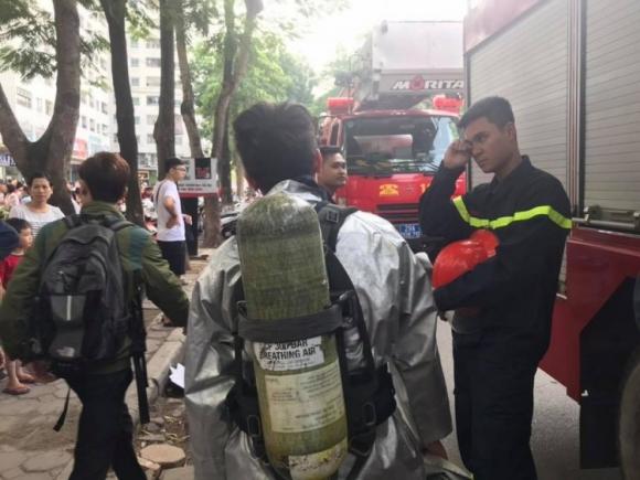 Tuy nhiên đám cháy được khống chế ngay sau đó nên lực lượng cảnh sát PCCC không phải phun nước lên căn hộ chung cư.