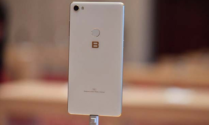 Bphone 3 Pro có đủ sức để 'cân' các smartphone đình đám trên thị trường?