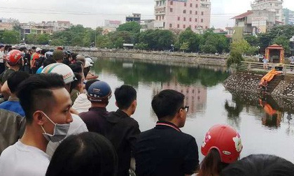 Cả trăm người kéo ra xem người đàn ông chết nổi trên hồ