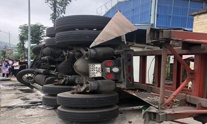 3 ô tô va chạm liên hoàn, công nhân trồng cây bên đường bất ngờ gặp nạn