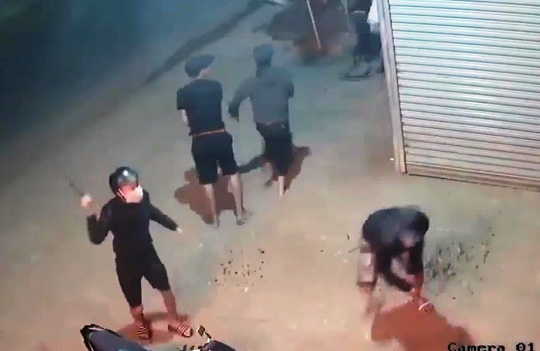 Hỗn chiến kinh hoàng, nhiều người trọng thương ở Lâm Đồng - 1
