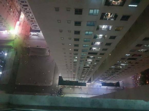 Vụ đứa bé bị mẹ ném từ tầng 31 xuống đất: Bố đứa trẻ có gia thế khủng, hào hoa có tiếng-4