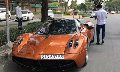 Siêu xe Pagani 80 tỷ đồng của Minh 'nhựa' chính thức có biển trắng, lăn bánh trên đường phố Việt Nam