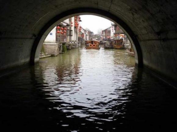 Lạc về quá khứ tại những thành phố bên sông đẹp như tranh vẽ - 3