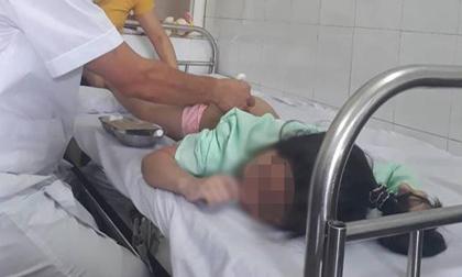 Bé gái lệch người sau khi ngủ dậy, mẹ nghĩ con thiếu canxi, nhưng không ngờ lại mắc trọng bệnh
