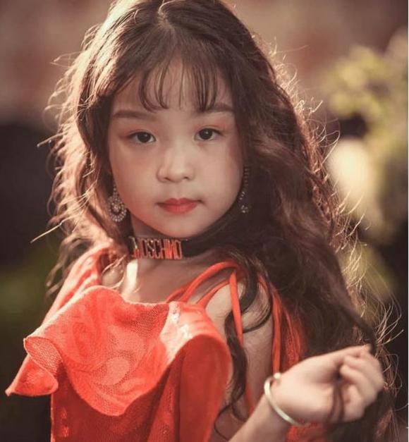 Cô bé Việt mới 6 tuổi đã đăng quang ngôi Hoa hậu tầm cỡ thế giới khiến nhiều người ngỡ ngàng-1