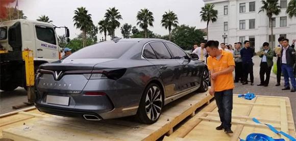 Mẫu Lux A2.0 của VinFast bất ngờ xuất hiện tại Việt Nam